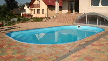 Овальний басейн