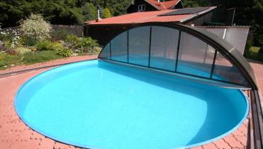 Круглий басейн